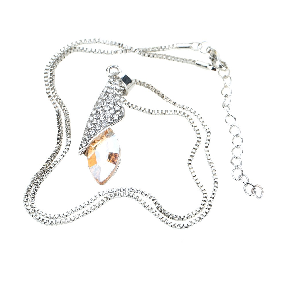 Desert Light Horse Eye Shaped Pendant Rhinestone Crystal Necklace Chain Luxurious Lovely Jewelry for Woman Girl
