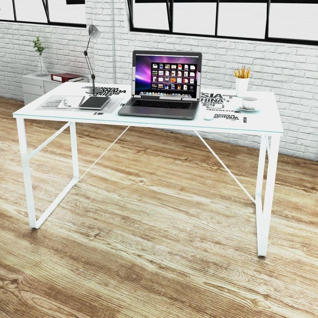Rectangular desk with Model Map